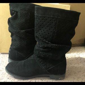 Toms serra suede boots 💕